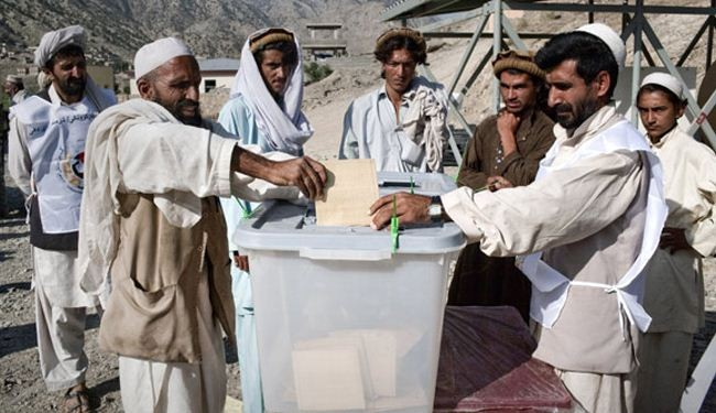 Voting begins in Afghan presidential run-off poll