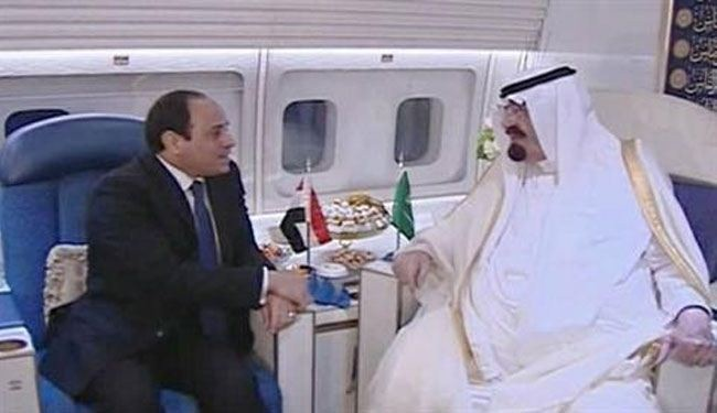 Saudi king stops in Cairo to reaffirm support for Sisi