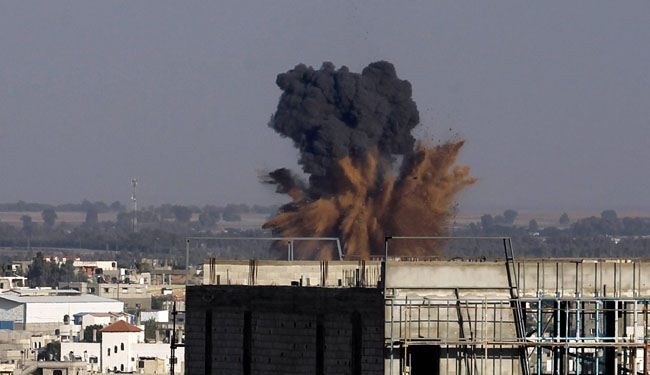 Thousands flee as Israel launches fresh air strikes in Gaza