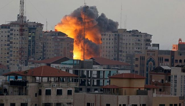 Israeli air strike pounds Gaza tower, several injured
