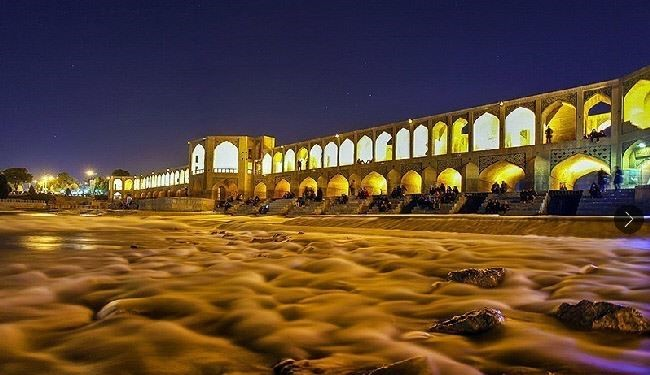 Photos: Zayanderud River in Iran's Isfehan Province