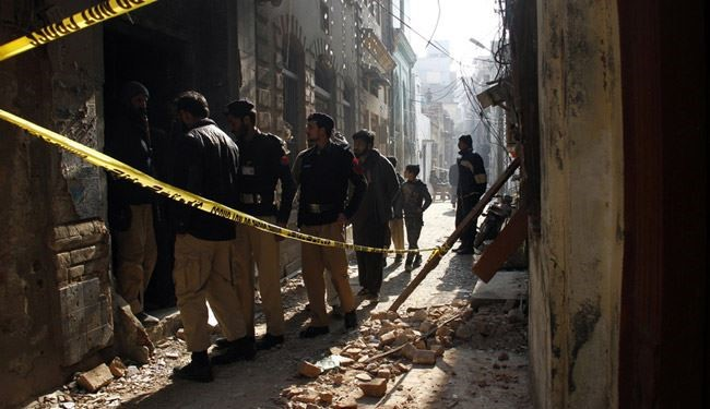 10 Killed 50 Injured in Pakistani Shiite Mosque Blast