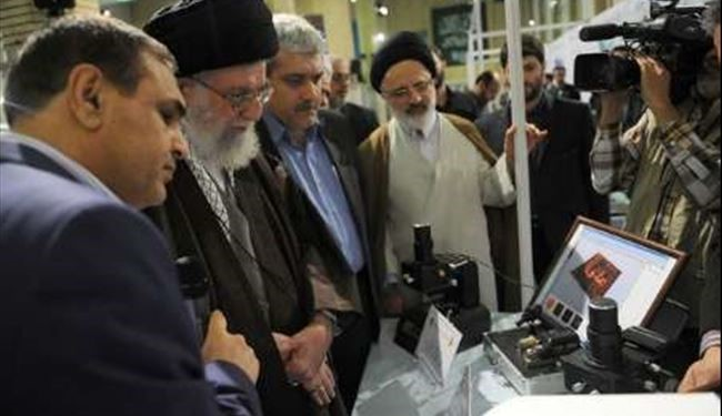Ayatollah Khamenei visited nanotechnology achievements of Iranian scientists