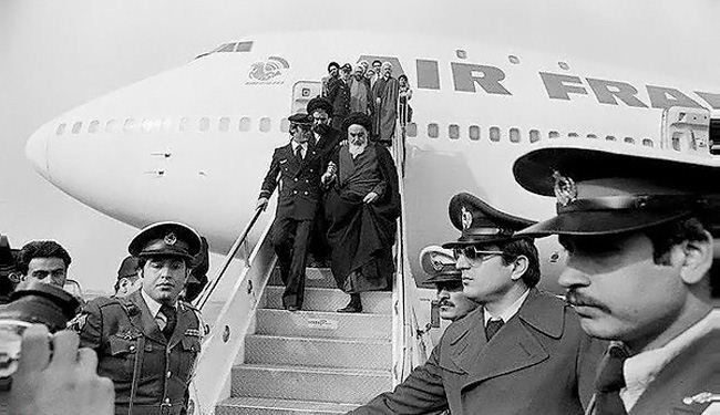 Imam Khomeini Entered Iranian Soil After 15 Years+ Photos