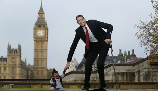 The Fascinating Life of the World's Shortest Man + Photos