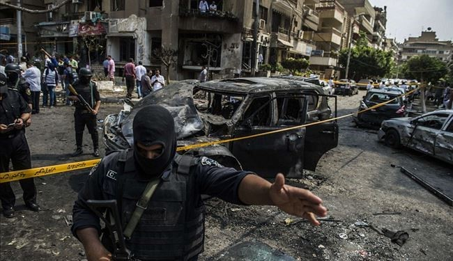 1 Killed in 2 Bomb Blasts at Hotel Housing Egypt Election Judges