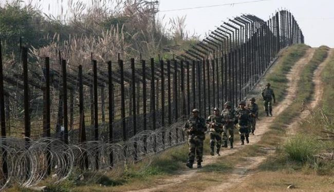 India Plans Laser Fences along Pakistan Border: Official