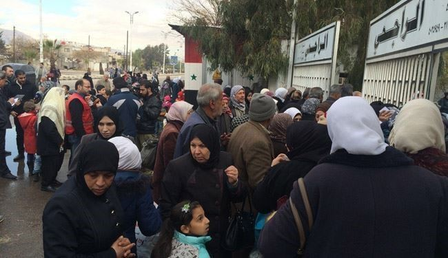 PICS: 2000 Syrian Refugees Start Returning to their Homes in Damascus