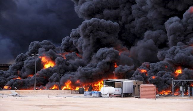 PICS: ISIS Libya Attacks Oil Terminal, Firemen Fight to Extinguish Massive Fire