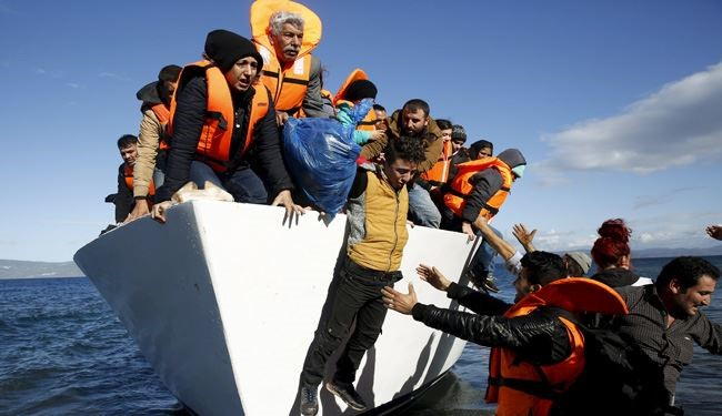 Migrants Crisis: Greece Threatened with Schengen Expulsion
