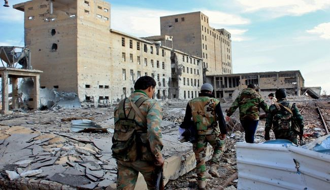 Syrian Army Units Demolish ISIL, Al-Nusra Positions in Aleppo