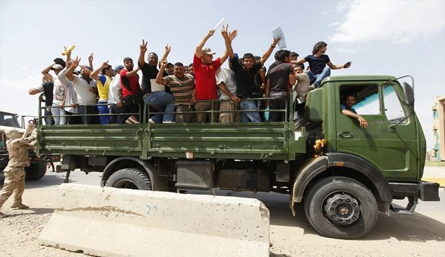 Iraqi People Revolt against ISIS Militants in Mosul