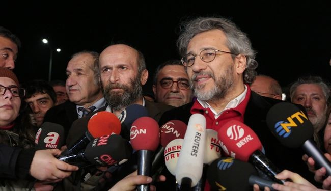 Turkey Frees Journalists Who Reported Ankara Arms Delivery to Terrorists in Syria