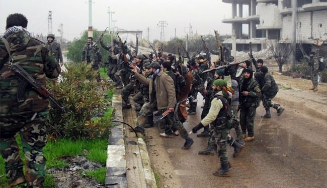 Syrian Air, Ground Forces Foil ISIS Militants' Attacks in Hama