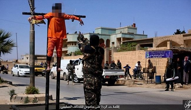 PICS: ISIS Crucified, Shot in the Heads of 2 Raqqa Civilians Accused of Spying