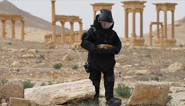Russian Forces Dismantle 18000 Explosive Devices Planted by ISIS in Palmyra