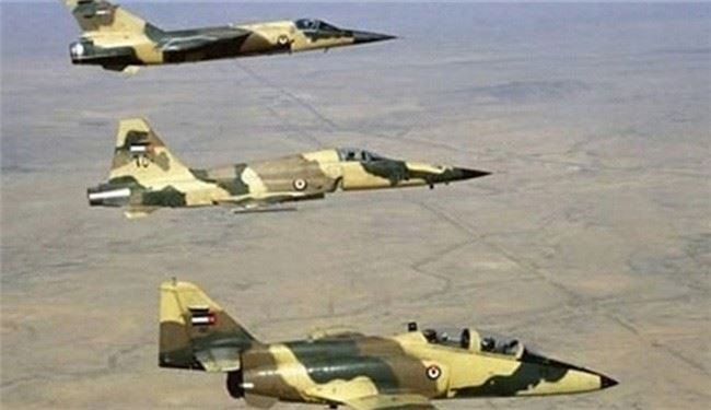 Syrian Air Force Targets ISIS Positions in Western Raqqa