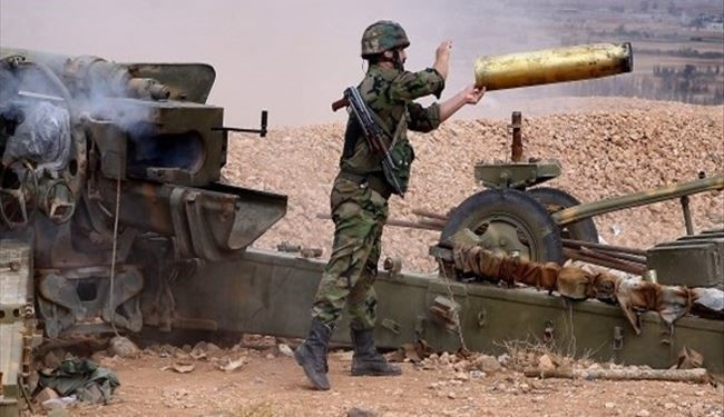 Syrian Army Artillery Units Pound Terrorist Strongholds in Darayya