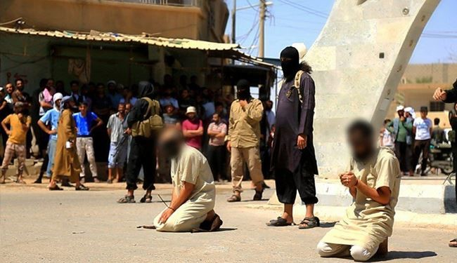 HORRIFIC PHOTOS: ISIS Savagely Executes 5 Iraqi Men for Assisting Civilians to Flee