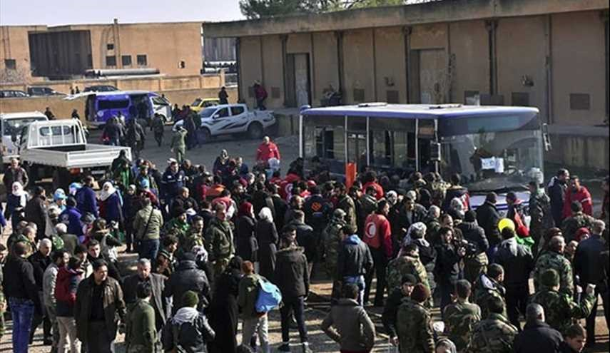 PHOTOS: Syrian Civilians Leave Militants-Held Towns in Idlib for Aleppo City