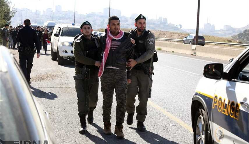 Israeli forces detain six Palestinians in Al-Quds