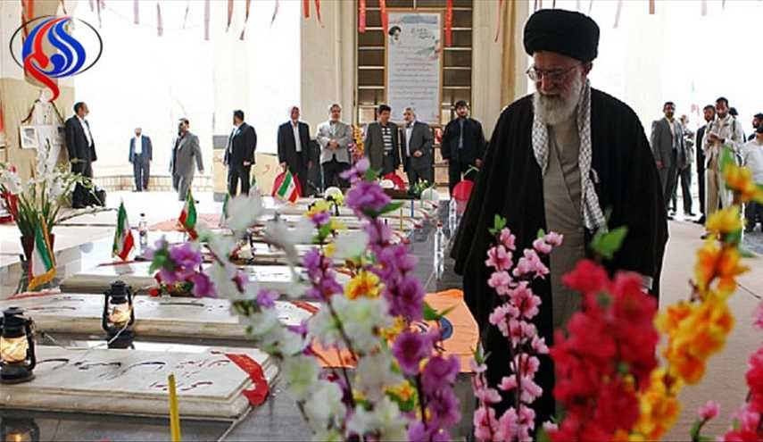 Leader pays homage to Founder of Islamic Republic, martyrs