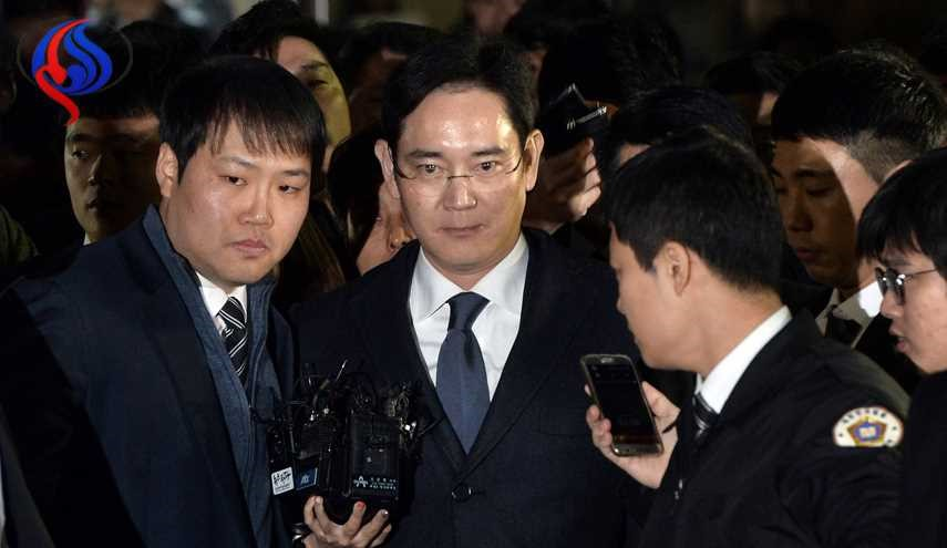 Samsung Chief Lee Arrested in Corruption Investigation