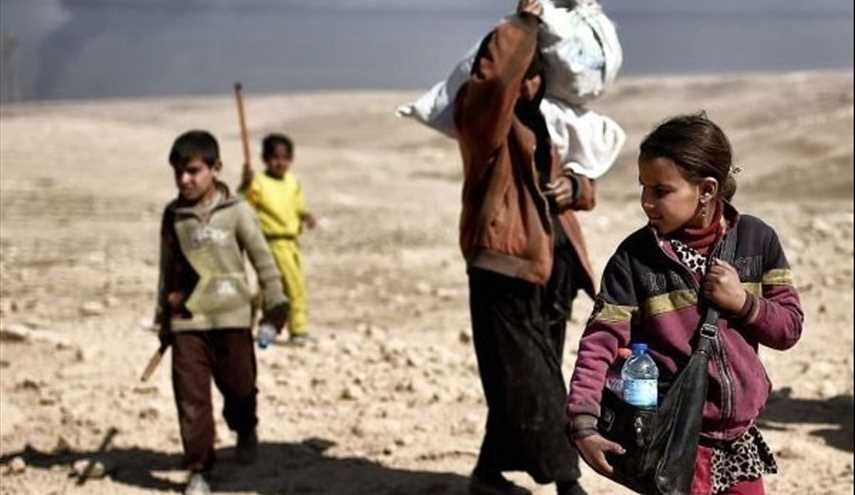 Iraqi Civilians Struggle to Flee Mosul as Army Fights to Oust ISIL
