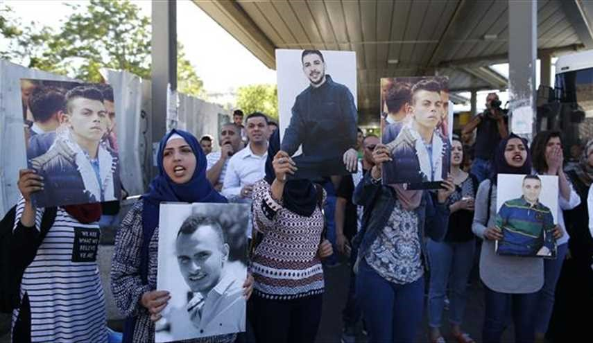 Mass Palestinian hunger strike claims first victim