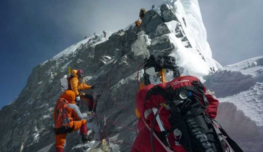 Everest Climbers Worried about Oxygen Bottle Theft