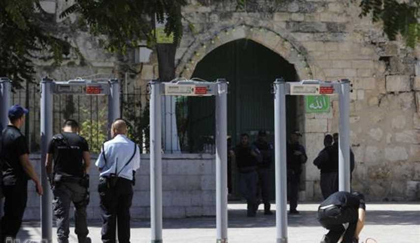 Israel begins removing metal detectors from Al-Aqsa