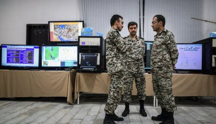 Army Chief visits defense achievements expo.