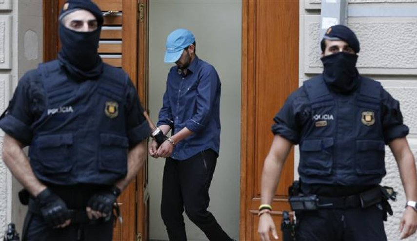 Spain 'dismantles cell behind terror attacks'