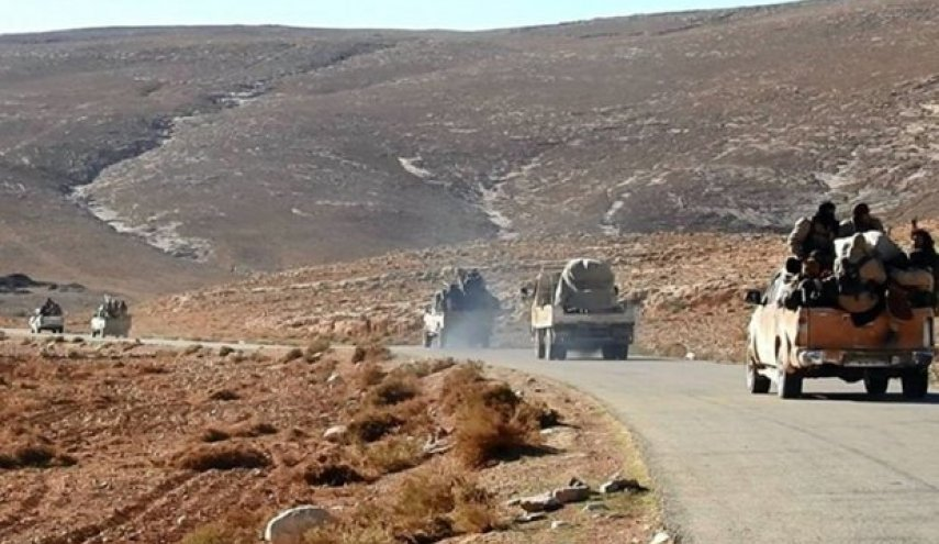 Hezbollah urges US-led coalition to stop blockade of Isis families convoy