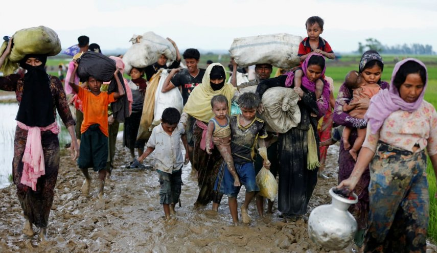 U.N. appeals for aid as Myanmar refugee exodus nears 300,000