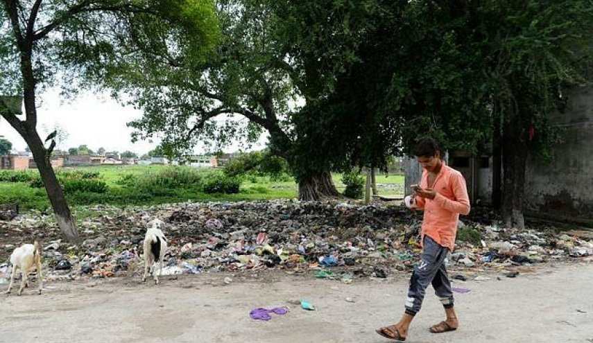 Mountains of garbage and despair in India's dirtiest city