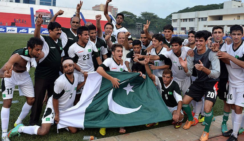 FIFA suspends Pakistan from international football