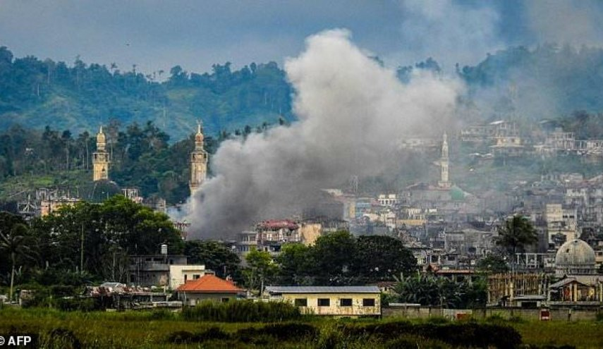 Army says battle for Philippine city to end soon, 1,000 dead