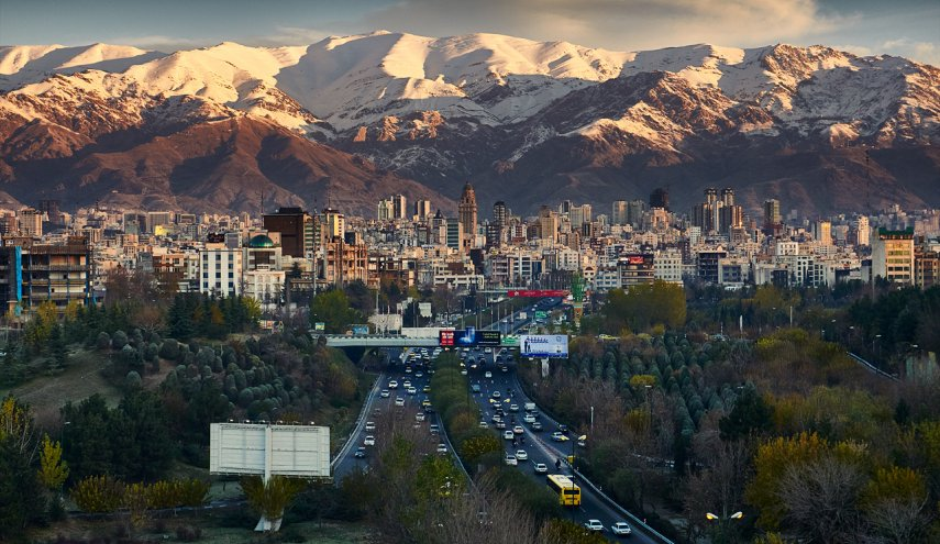 Light earthquake jolts Tehran gently