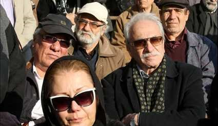 Funeral procession of veteran Iranian actor in Tehran