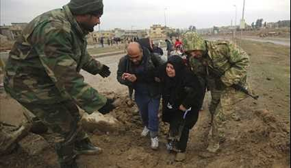 Iraqi Forces Securing Civilians out of Danger Zone