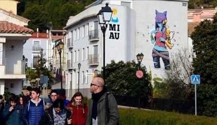 Street art revives divided Spanish village
