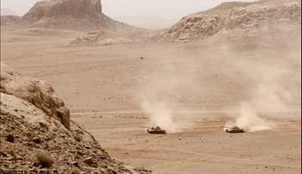 Army Stages Drill in Central Iran