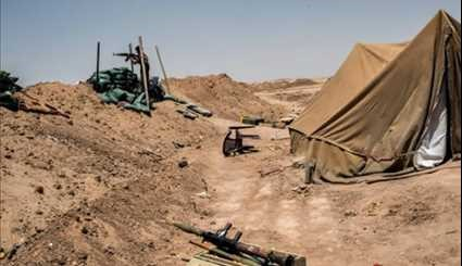 Iraqi Popular Forces Take Position on Iraq-Syria Border in Nineveh