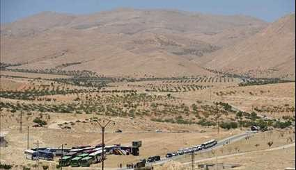 Militants Cross Lebanese Borders into Syria under Evacuation Deal with Hezbollah