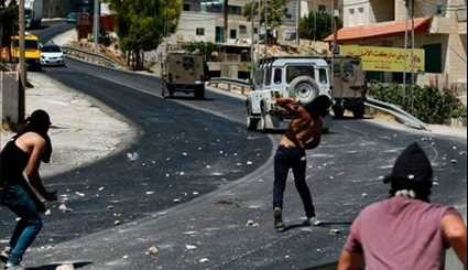 Clashes Erupt between Palestinian Protesters, Israeli Soldiers in Nablus