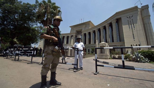 Egypt interim gov't to try Brotherhood leaders