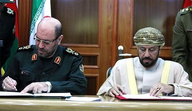 Iran, Oman ink MoU on defense co-op