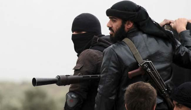 Syria militant groups turn guns on each other: Article