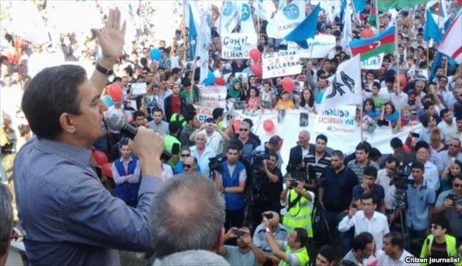 Azeri protesters want Pres. Aliyev to step down